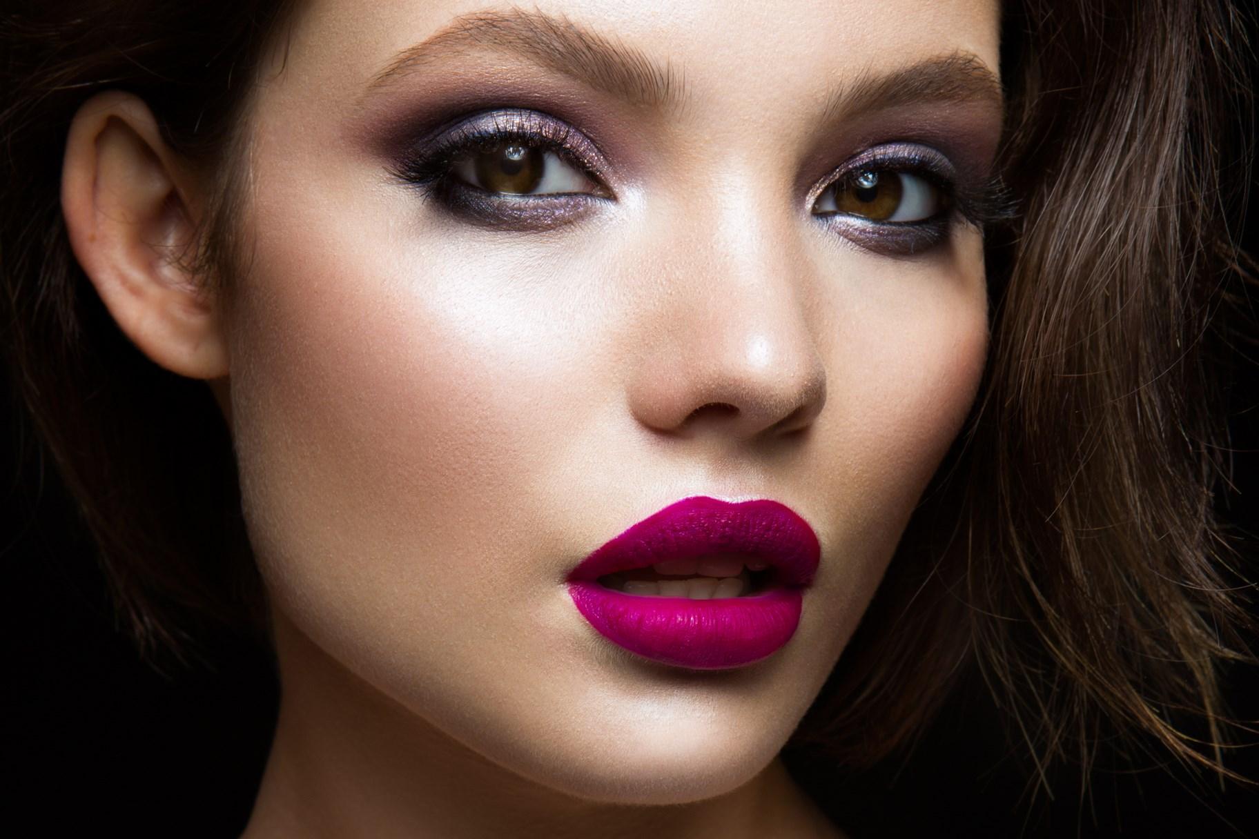 Как сделать естественный яркий цвет губ